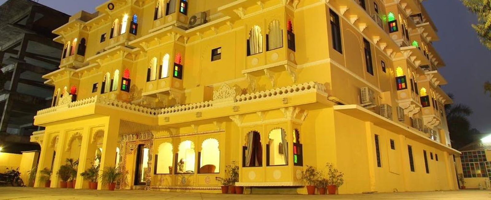 Best Luxury Boutique Hotel In Udaipur Heritage Hotel In Udaipur